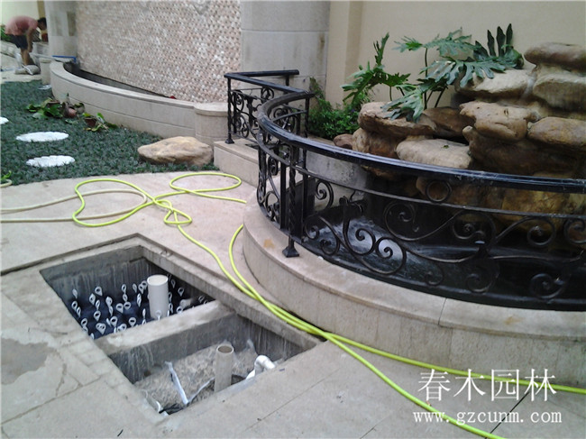 别墅花园鱼池设计