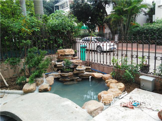 别墅花园鱼池假山图片
